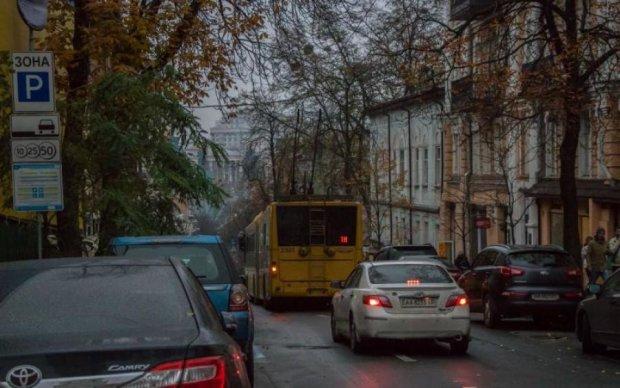 Чому ніхто не підпалив: господар життя заблокував центр Києва