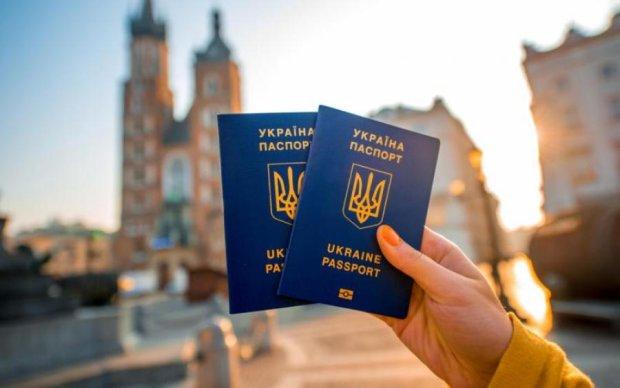 Украинцам расскажут все про безвиз