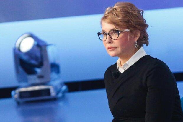 """Тимошенко почтила память Леси Украинки на кладбище: """"Стояла я и слушала весну"""""""