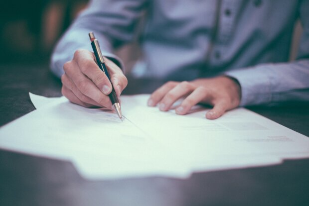 Трудовий договір, фото: Pxhere