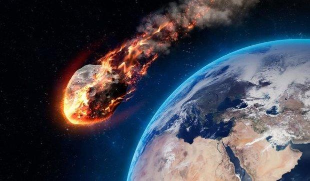 Взрыв на Луне окончательно уничтожит Землю