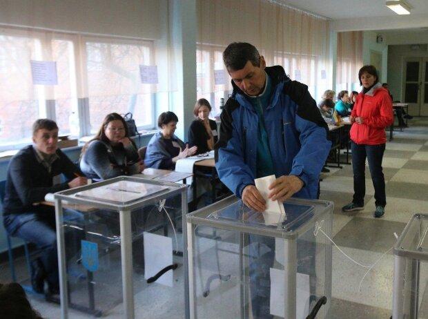 Местные выборы в Киеве: Андрей Пальчевский вырывается вперед, Гусовский и Холодов - на скамейке запасных