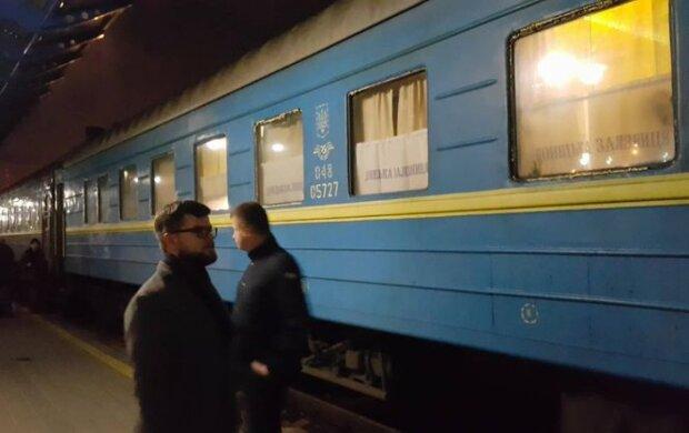 """Укрзалізниця несподівано помножила рівень страждань, пасажири втомилися: """"Простим маркером..."""", фото"""