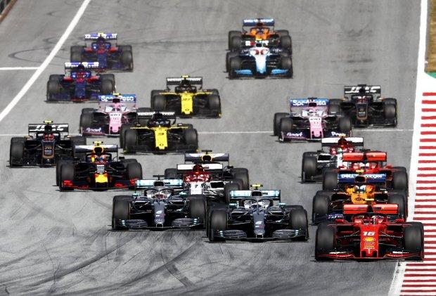 """""""Таке вперше"""": фінал Формули-1 приголомшив увесь світ, епічне відео"""