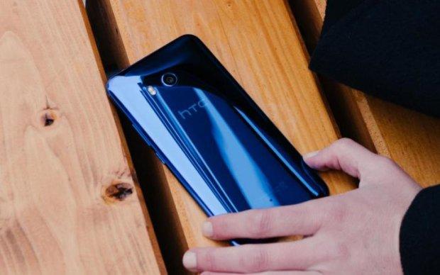 Смартфон HTC U12 плюс: известна официальная цена и дата выхода