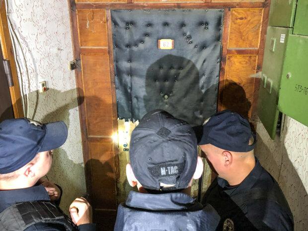 Тримав у полоні десятьох: в Києві неадекват перетворив квартиру на  душогубку, - кадри кошмару