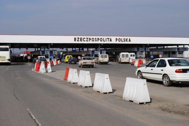 Польша развернула тысячи украинцев: не пускают в страну