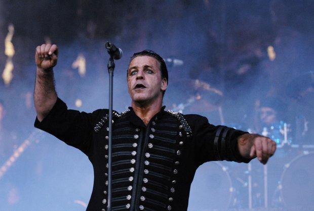 Тіль Ліндеманн з Rammstein хотів заплатити штраф за білоруса: справа у відвертому відео