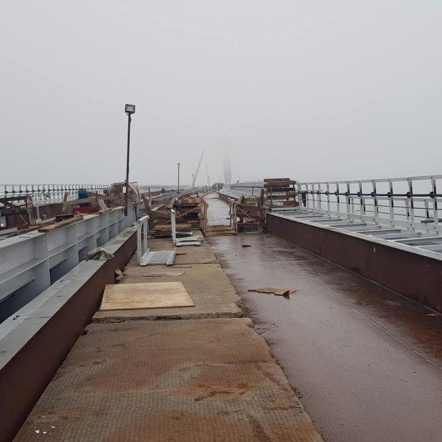 У мережі з'явилося фото нестикування плит кримського моста