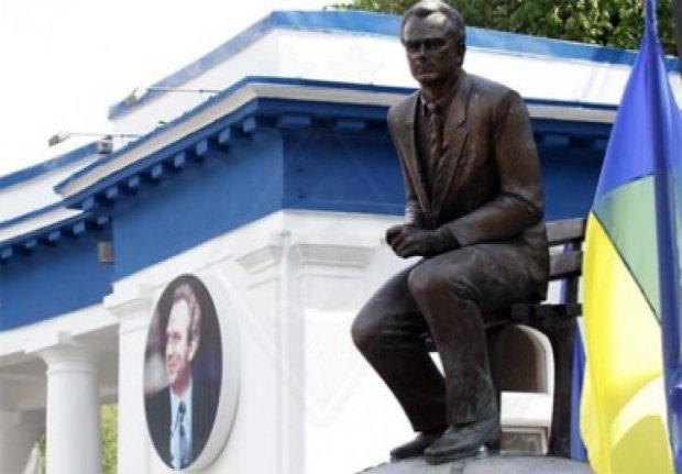 Динамовцы почтили память легендарного  Валерия Лобановского