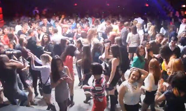 У Тернополі нічний клуб дотанцювався до закриття
