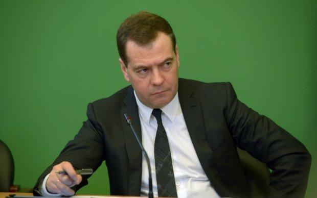 Димон уже не тот: рейтинг Медведева заметно упал
