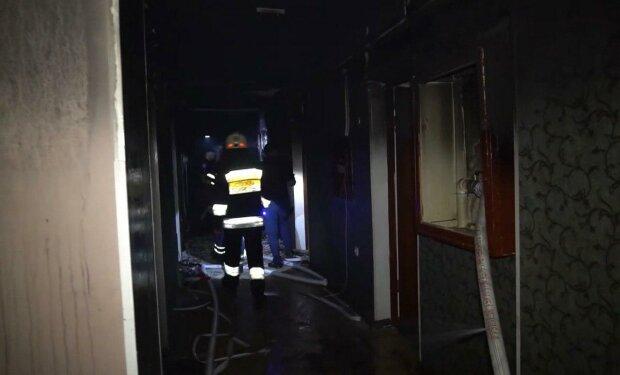 У Дніпрі спалахнув студентський гуртожиток - конспекти згоріли разом з капцями