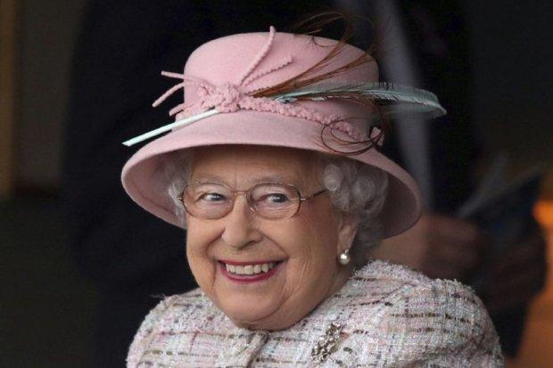 Меган Марк зіпсувала Єлизавету II: королева порушила правила