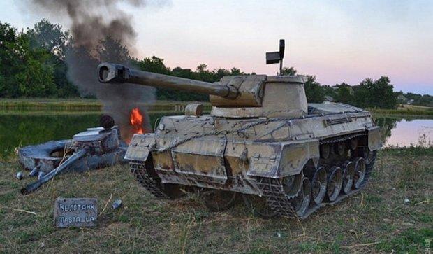 Українець зібрав танк з велосипедів (фото, відео)