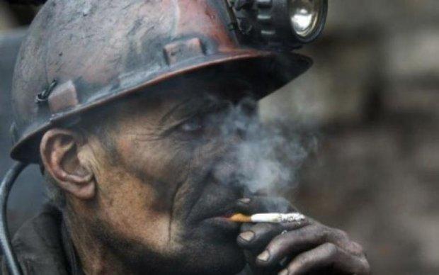 День шахтера 2017: как работают под землей и сколько за это получают