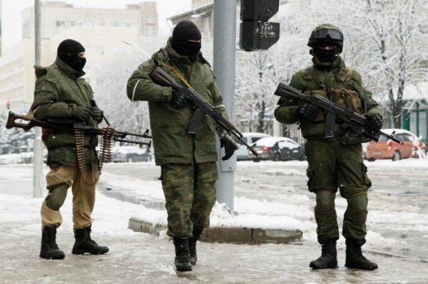 На Донбасі бойовик-педофіл заманив і згвалтував хлопчика, показавши йому автомат