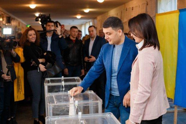 """Гройсман резко переметнулся к Зеленскому и """"попрощался"""" с Порошенко"""
