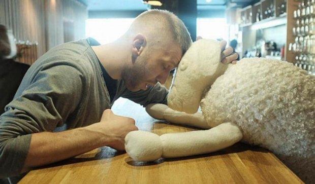 Иван Дорн повстречал скотину (фото)