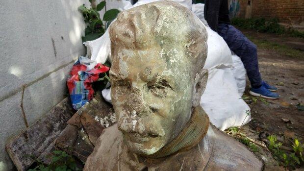 """У каналізації відкопали головного радянського """"чорта"""": """"Почнуть йому носити квіти"""""""