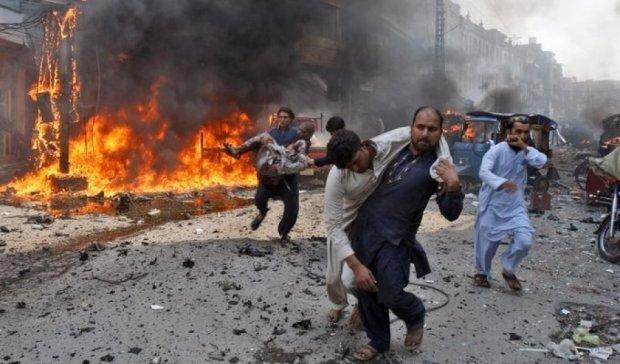 Взрыв возле больницы в Пакистане: более 10 погибших