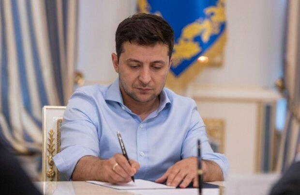 """Зеленський """"перезавантажив"""" суди Вінниччини: хто одягнув мантії"""