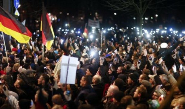 Задержали 40 человек на антимиграционном митинге в столице Германии