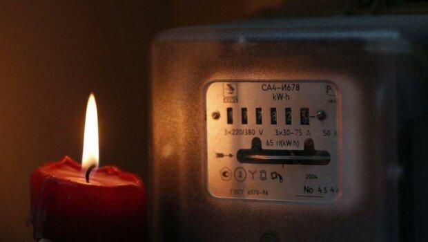 """Дніпрянам влаштують """"темну"""": заряджайте гаджети, це надовго"""