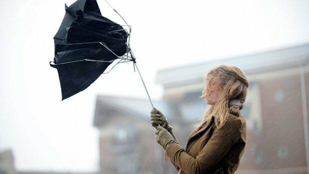Залишайтеся вдома: франківчан попередили про наближення небезпеки, - рахунок йде на години