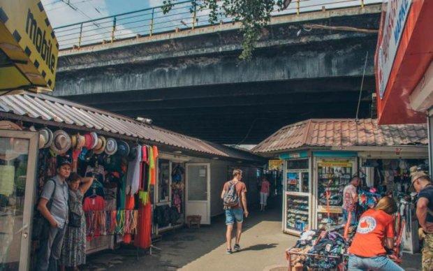 """""""Прощай, Абибас!"""": один из известнейших рынков Киева сровняли с землей"""