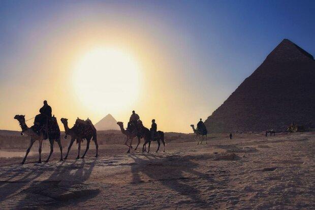 """Египет """"протянул руку"""" медпомощи украинским туристам, Зеленский в восторге: """"Особенно ценю решение"""""""