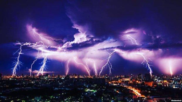 Погода в Днепре на 26 июля: лютая стихия заставит украинцев носиться с зонтиками