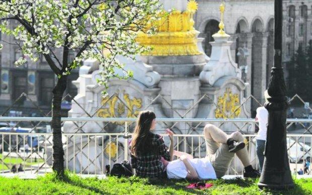 Стихія відступає: в Україні нарешті повернеться літо