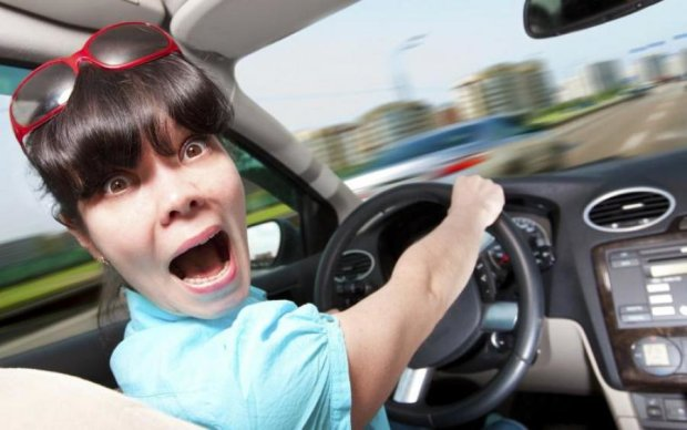 Водії-новачки ризикують втратити посвідчення назавжди
