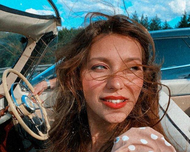 """Тодоренко в компанії двох чоловіків згадала, що вона українка і привітала батьківщину: """"Вже 3 роки"""""""