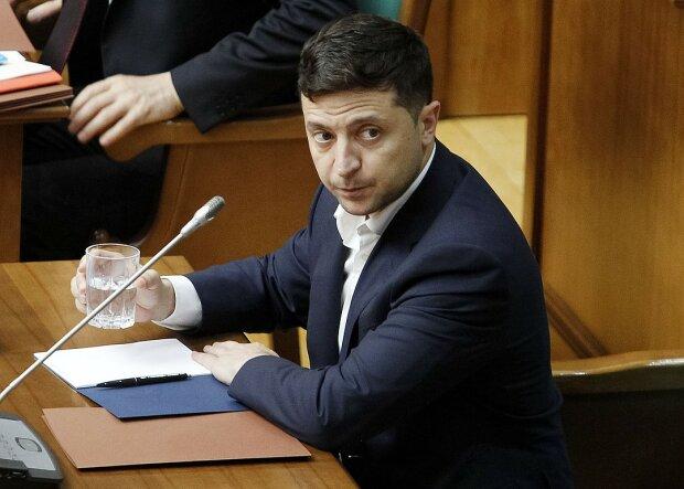 Зеленский расправился с независимыми украинскими телеканалами