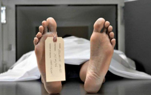 Мужчина нашел самый оригинальный способ избавиться от сварливой жены: фото