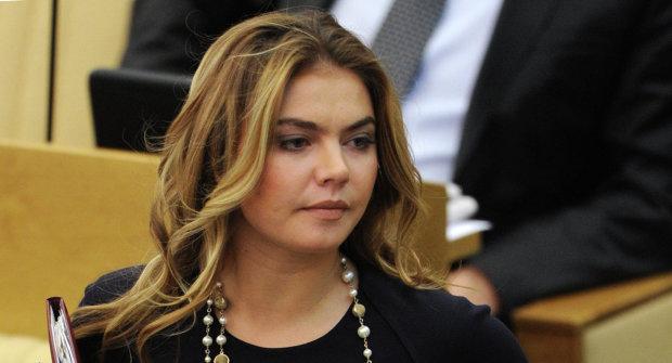 """""""Жінка – не кухарка, а капітан"""": Кабаєва перетворила Путіна на підкаблучника, навіть пискнути боїться"""