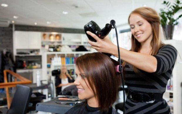 Десять годин пекла: як перукар врятувала безнадійне волосся школярки