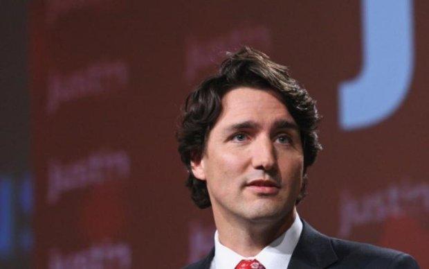 Летающие брови премьер-министра породили тонну мемов