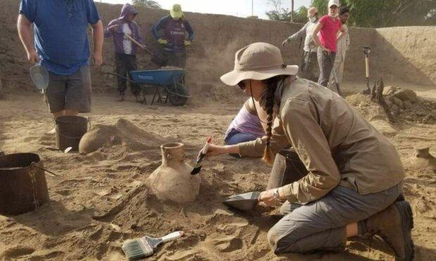"""Археологи случайно обнаружили легендарные """"короны"""", древние египтяне задали тон моде на тысячи лет"""