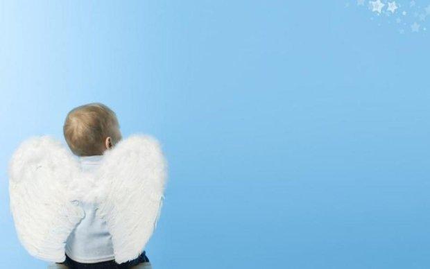 Несподівано: Маша з Кременчука народила немовля з крилами