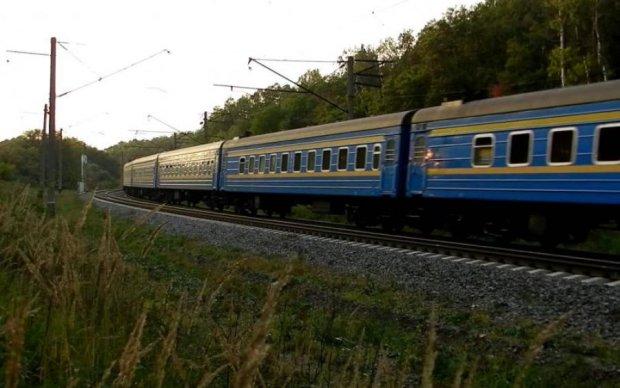 Адский поезд оставил украинку без ног: первые подробности