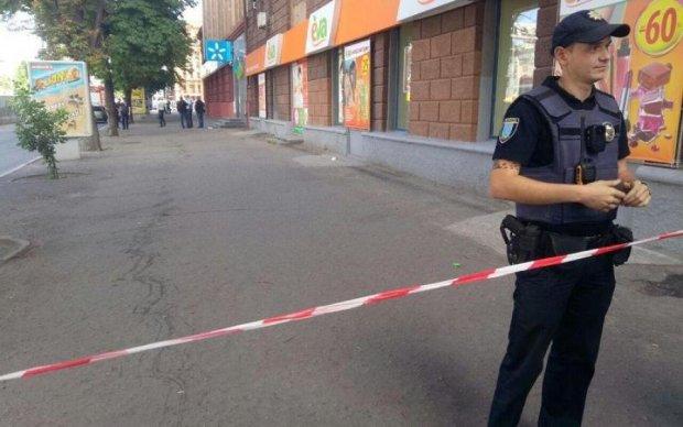Моторошне самогубство: жителька Дніпра озброїлася цеглинами