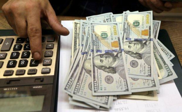 Курс доллара вгонит украинцев в осеннюю депрессию