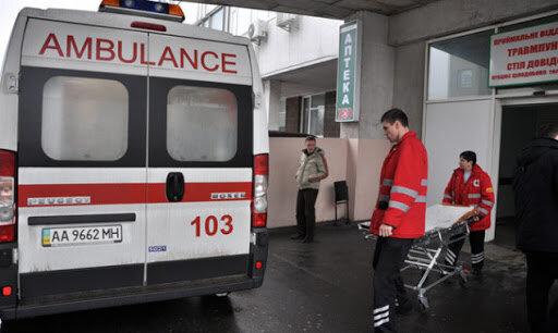 """У Києві ліфт мало не став могилою для лікарів: """"Поспішали врятувати життя"""""""