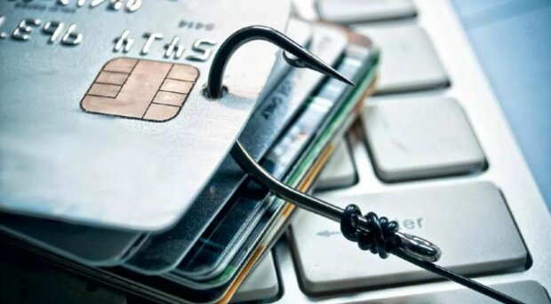 """Украинцев терроризируют """"мобильные"""" аферисты: один звонок, и банковский счет пуст"""