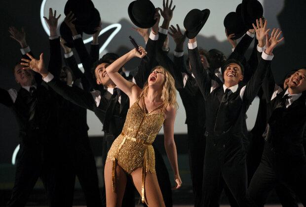 Скандали на American Music Awards 2019: найбільше нагород отримала зірка, якій заборонили співати власні хіти