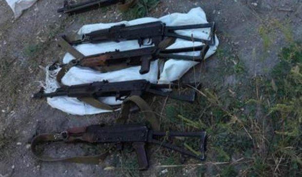 СБУ на Луганщині викрила схованку з кулеметами (фото)