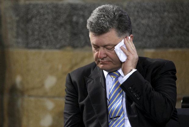 Телеканал 1+1 подал в суд на Порошенко и требует миллион